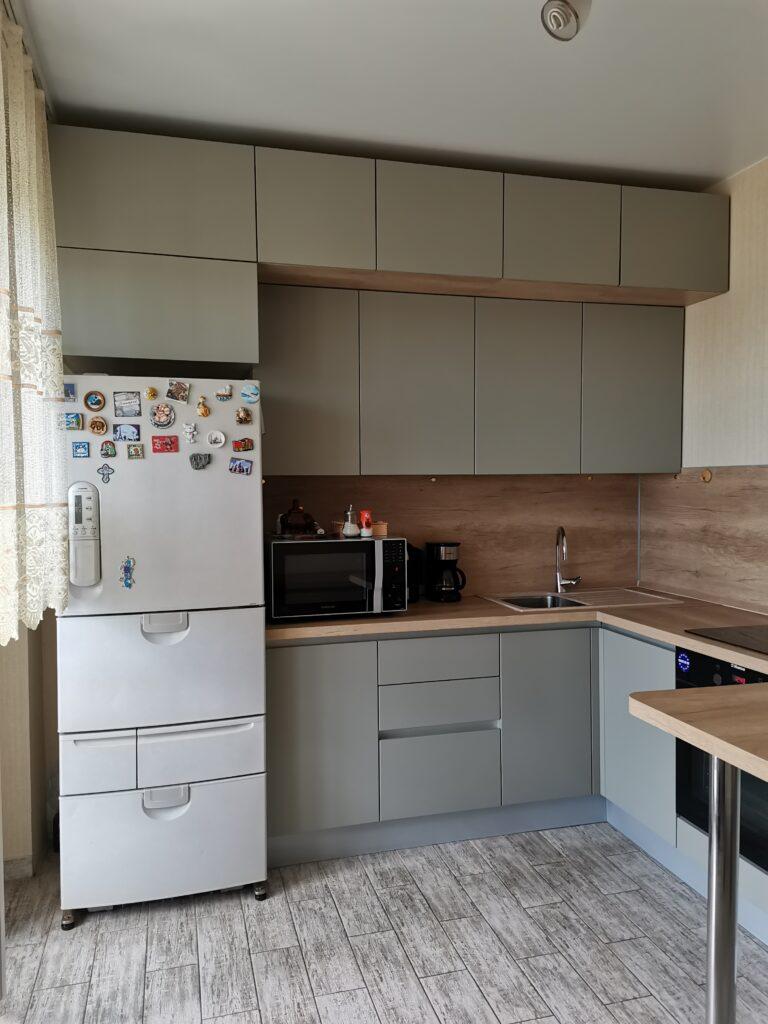 Кухонный гарнитур. Фасады - МДФ в плёнке