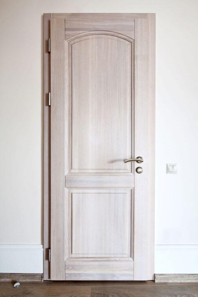 Межкомнатная дверь, массив дуба