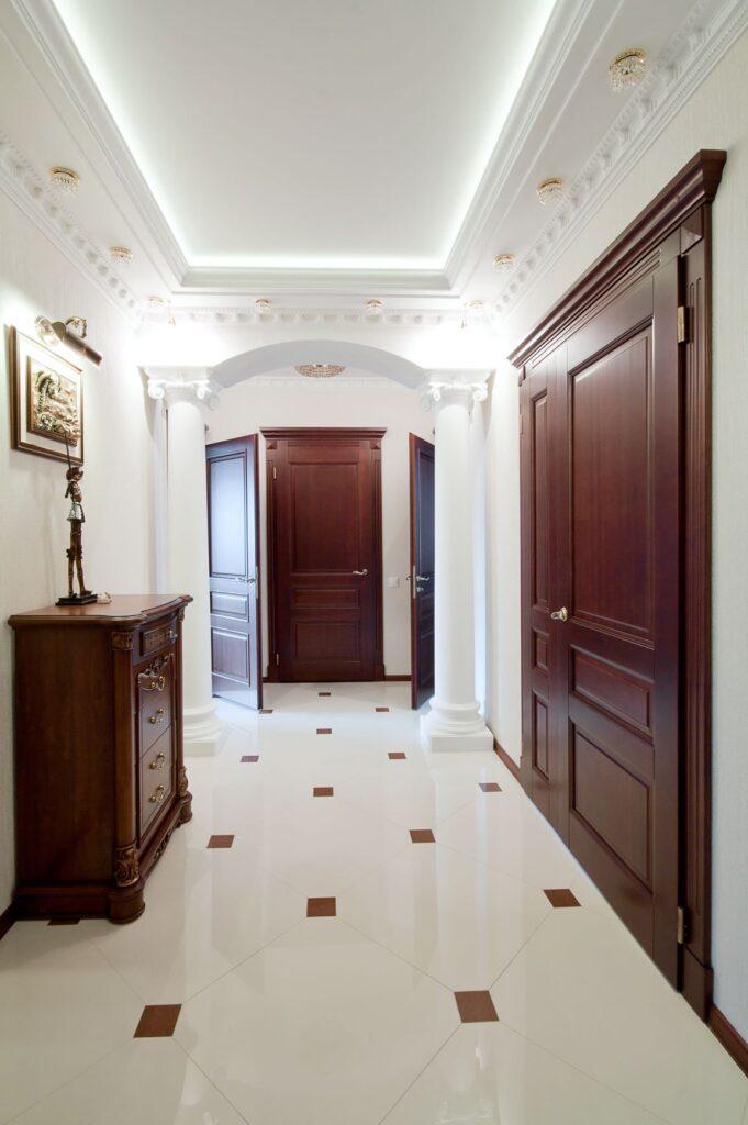 Межкомнатные двери. Массив лиственницы