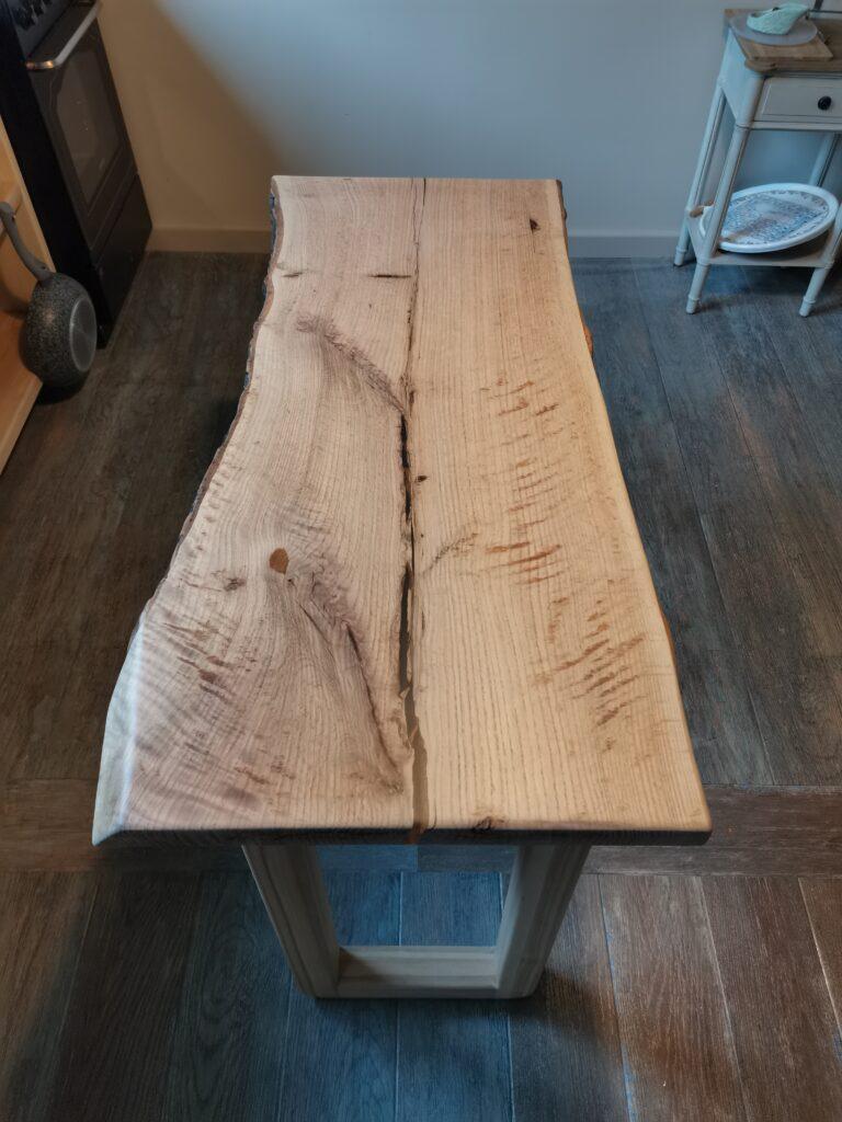 Обеденный стол со слэбом из розового дуба. Основа - массив ясеня