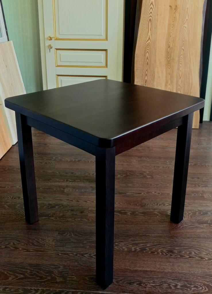 Обеденный стол. Массив сосны
