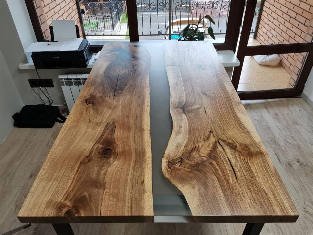 Рабочий стол со слэбом из ореха