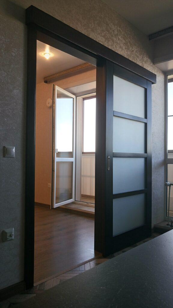 Раздвижная дверь, массив сосны