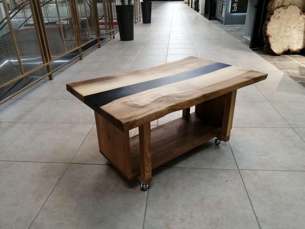 Журнальный столик. Слэб из ореха, основа из ясеня